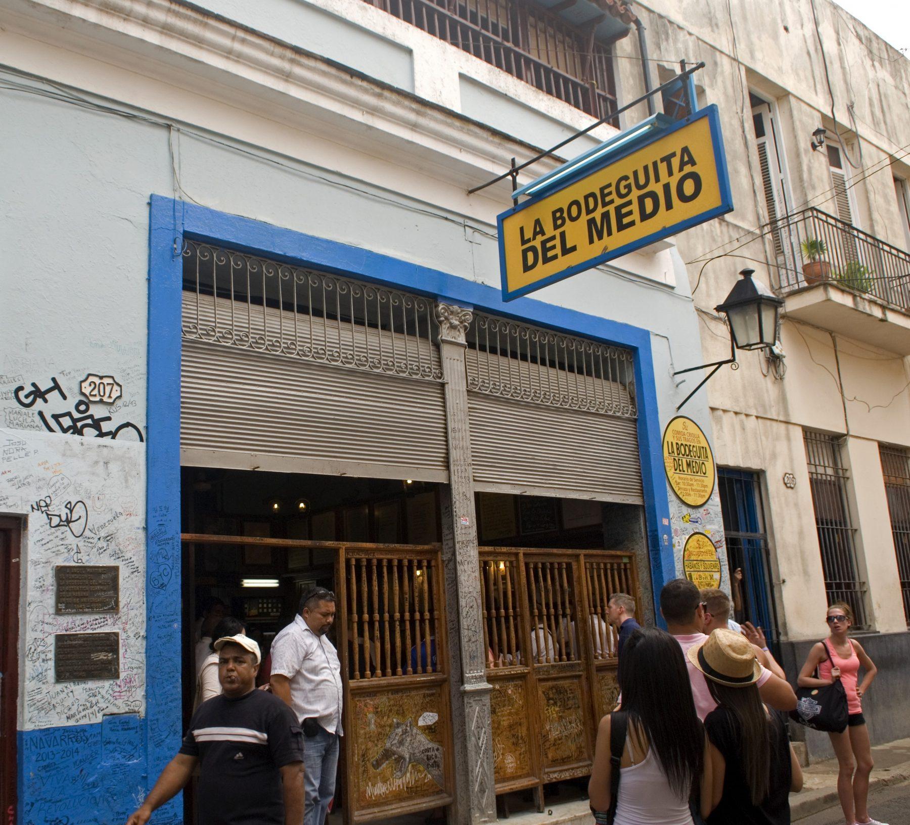 La Boseguita del Medio, il locale di Hemingway, Avana.