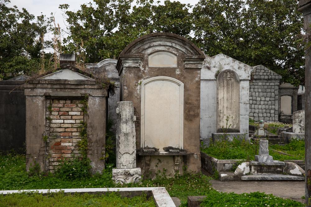 Avresti il coraggio di passare la festa di Halloween in un cimitero di New Orleans?