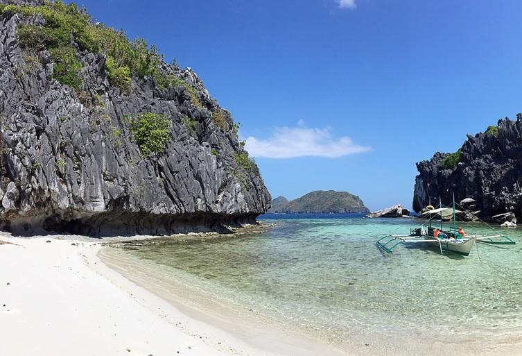 Una stupenda spiaggia a El Nido, Filippine