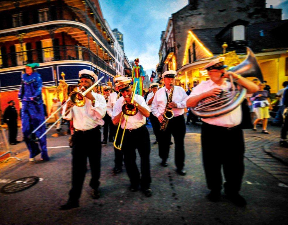 Mardi Gras New Orleans 2018 - Parade in the French Quarter
