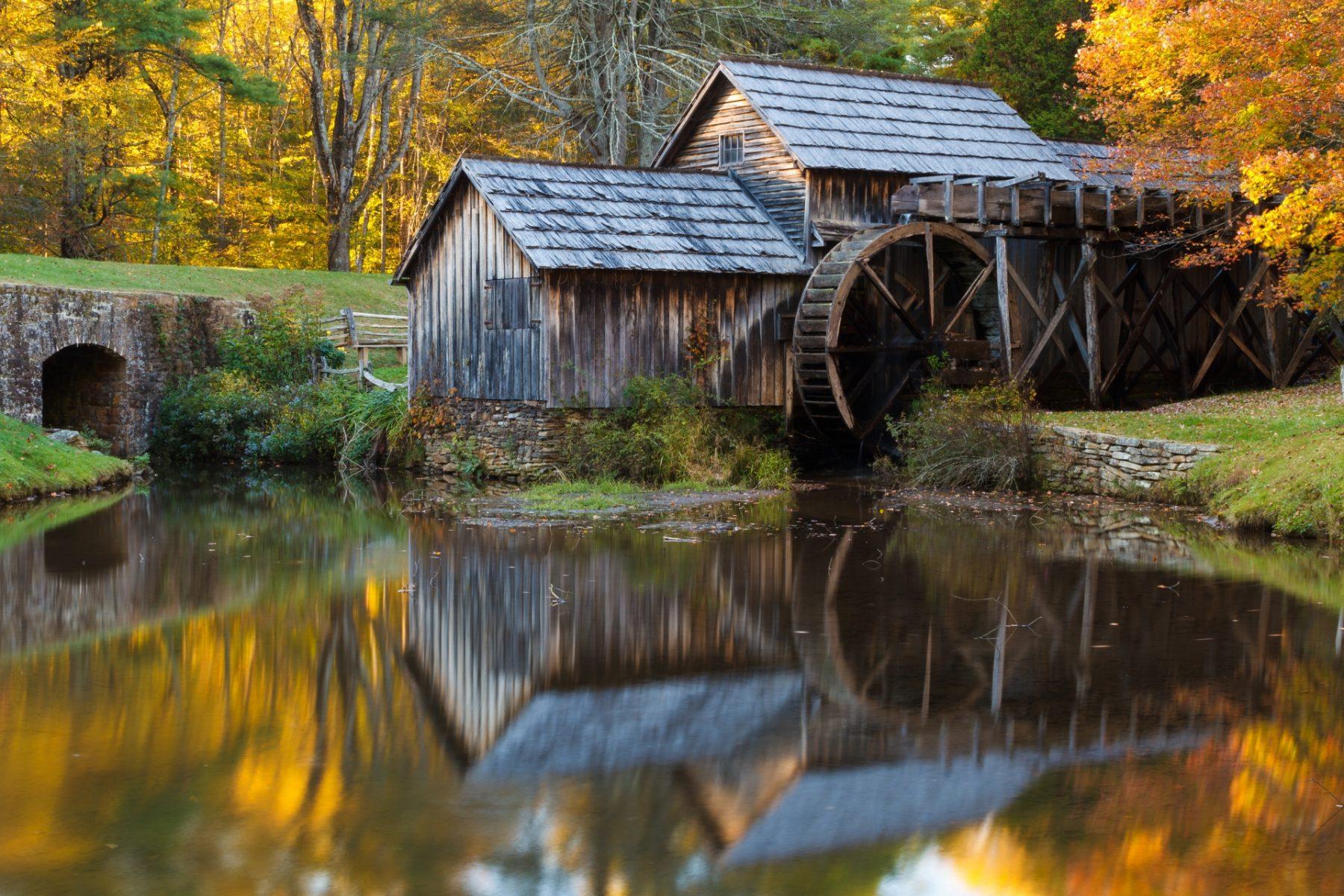 Viaggio lungo la Blue Ridge Parkway Mill e pionieri