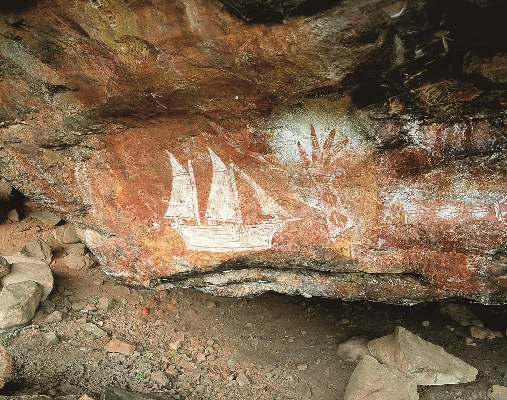 Le pitture rupestri di Injalak Hill, a Gunbalanya: da notare, accanto alle simbologie tradizionali, la comparsa di motivi che ritraggono realisticamente l'arrivo degli Europei