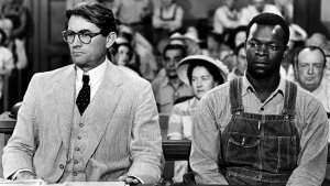 """I migliori film sulla lotta per i diritti civili: Una scena de """"Il buio oltre la siepe"""". Foto Léo L. Fuchs/Universal Pictures/Photofest, from www.hollywoodreporter.com"""