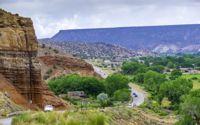 Road along Rio Chama in New Mexico Desert