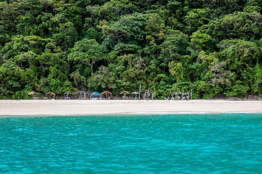 Gli stupendi colori della Puka Beach di Boracay, Filippine