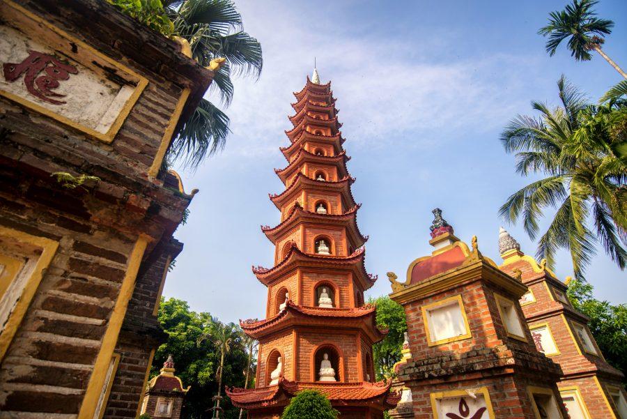 Risultati immagini per Pagoda della Dama Celeste, la Thien Mu,