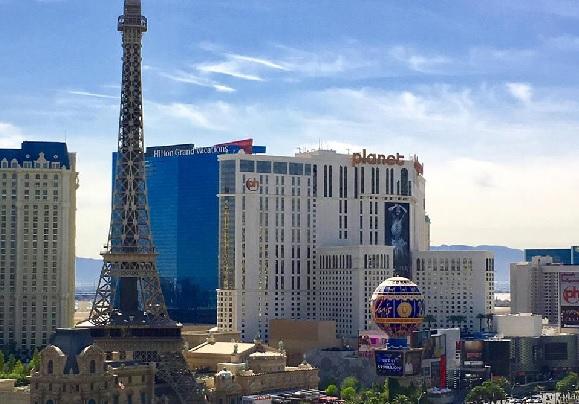Have fun in Las Vegas: Paris Hotel & Planet Hollywood