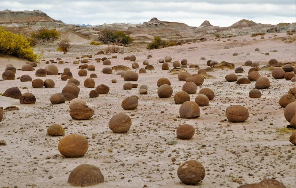 Viaggio tra i Patrimoni UNESCO dell'Argentina Ischigualasto palle di cannone