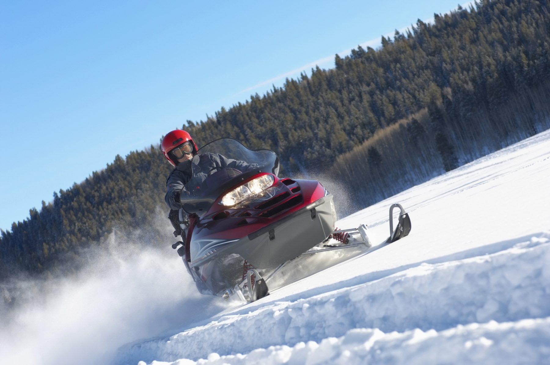 Viaggio nelle Rocky Mountains motoslitta