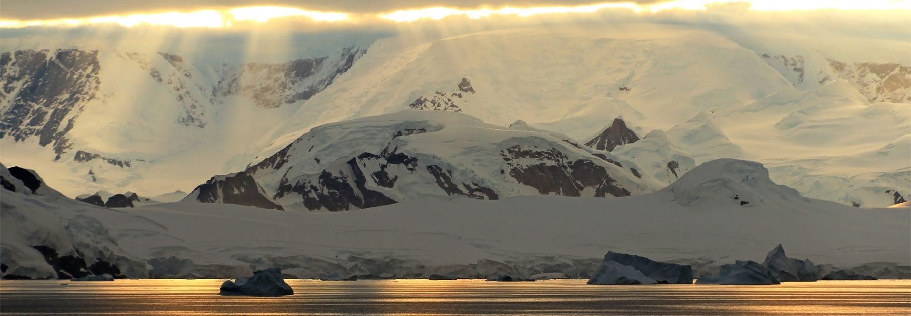 Viaggio in Antartide sole mezzanotte