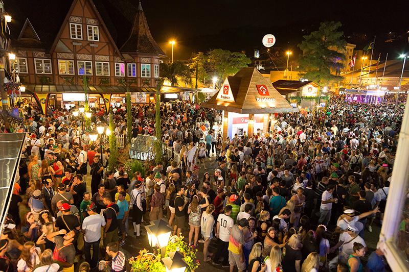 Oktoberfest Brasile viaggio Blumenau