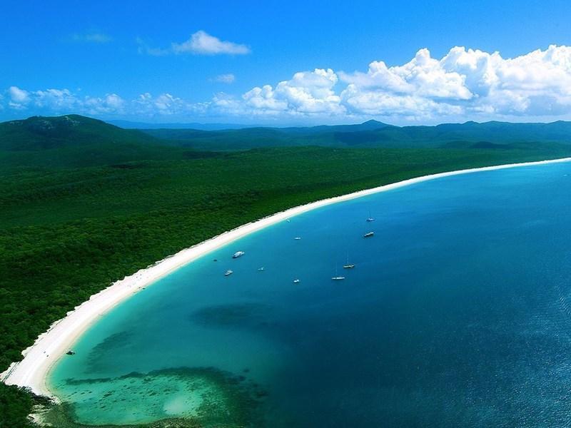 whitehaven-beach-aerial