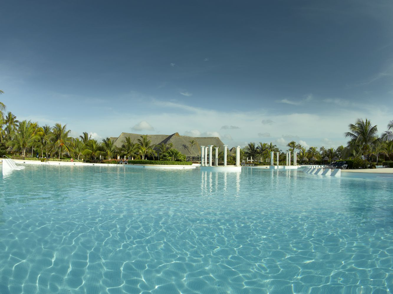 Grand Palladium Colonial Resort & Spa_Piscina principal_3