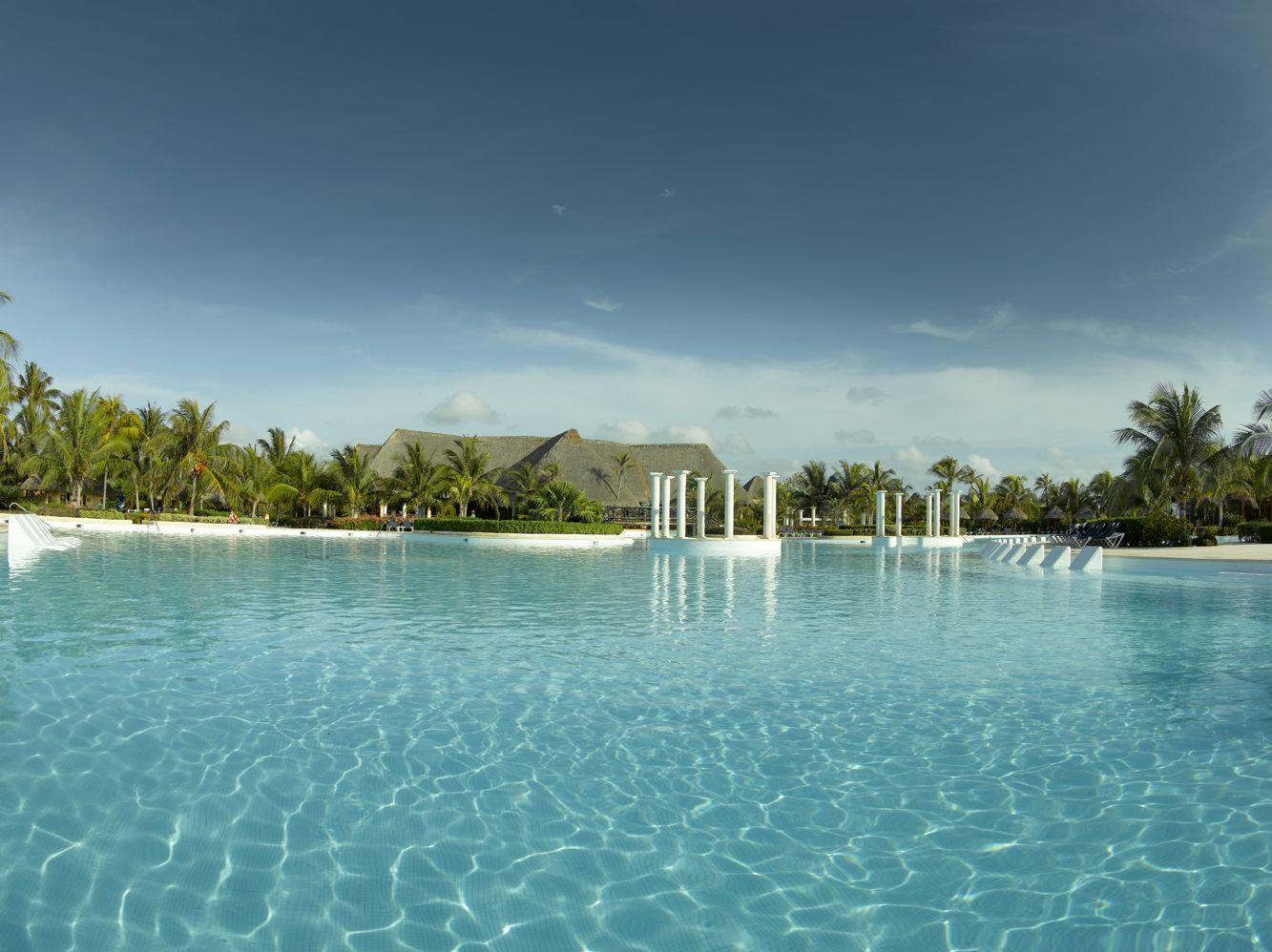 Grand Palladium Colonial Resort & Spa_Piscina principal_3