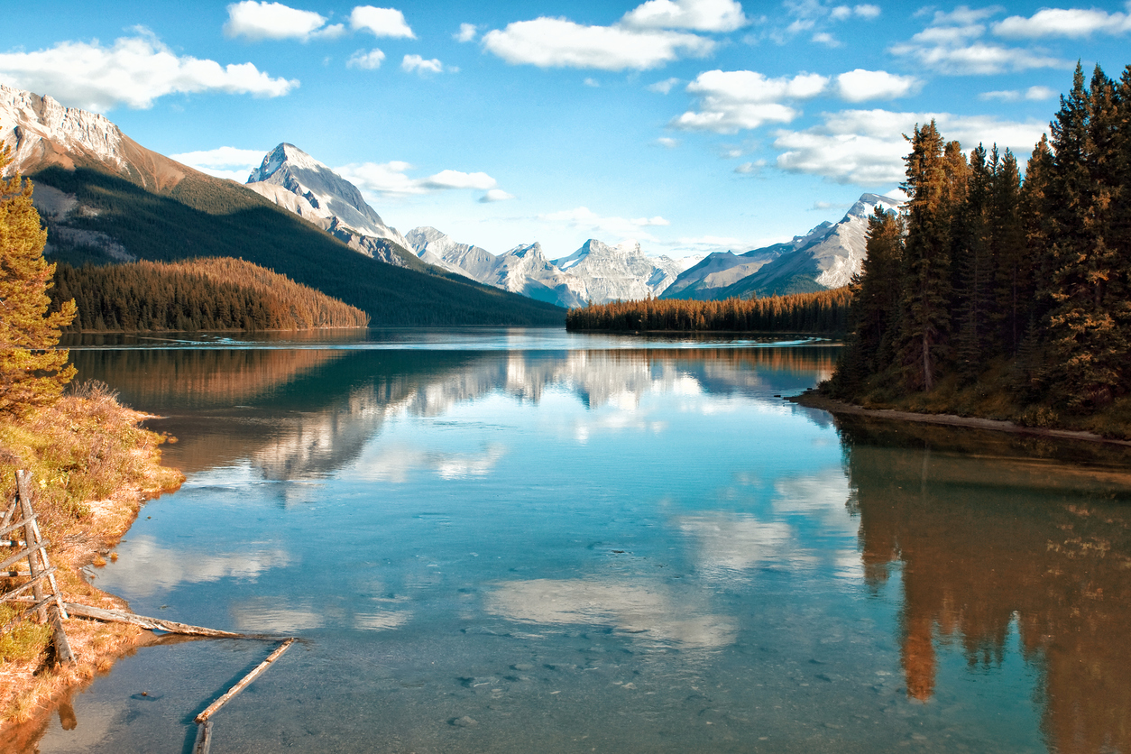 breathtaking view to the Maligne Lake in Jasper National Park.